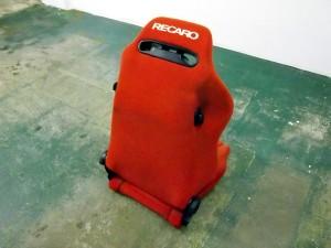 レカロ赤1